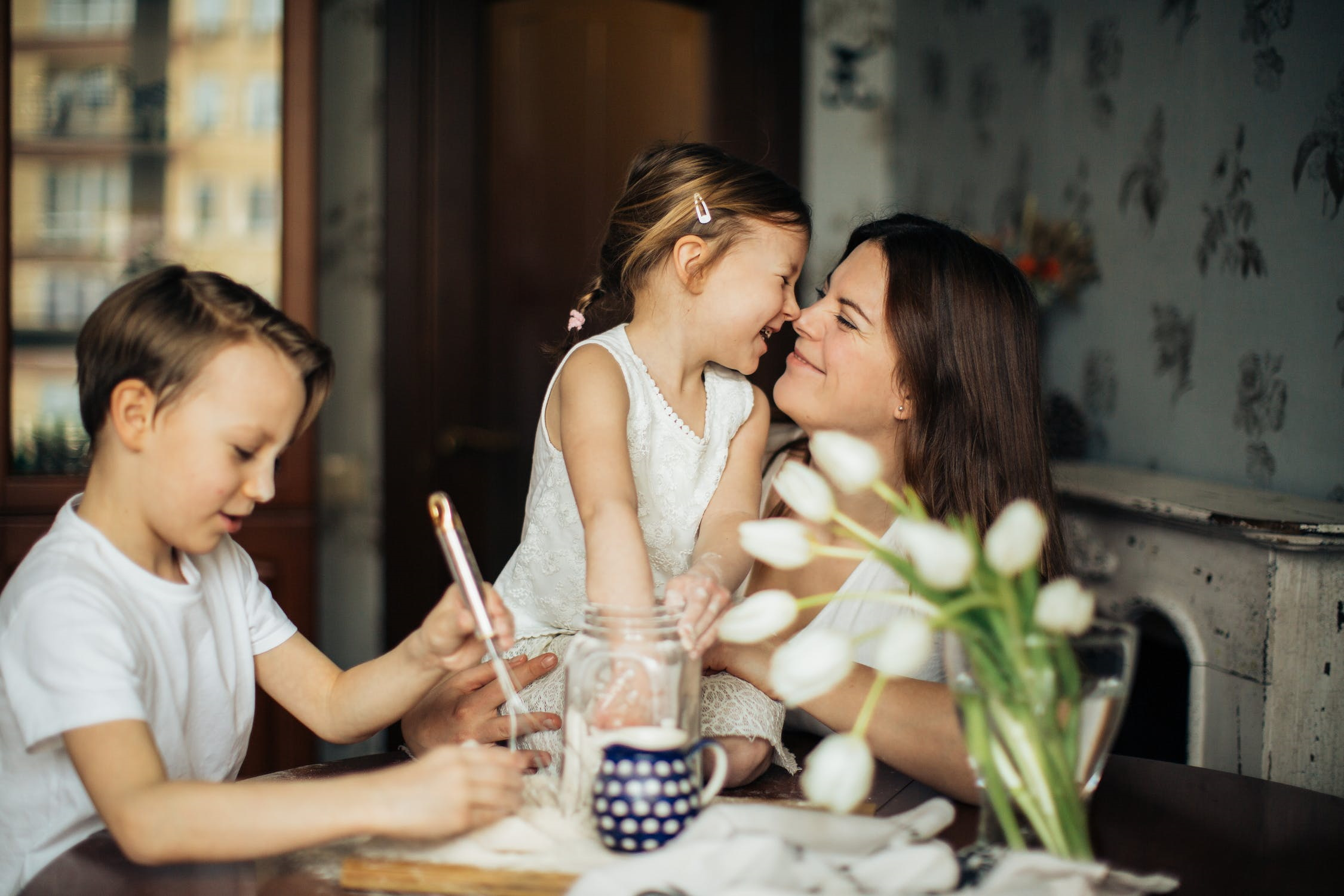 happy family table home hoa